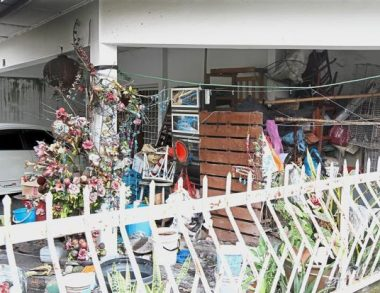 How does hoarding disorder affect your neighbours?