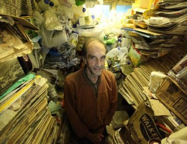 Say hello to hoarders on screen: when film characters exhibit stockpiling